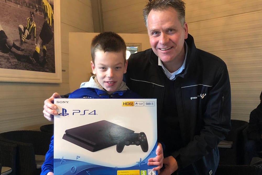 Kids-verkoopwedstrijd lotenverkoper winnaar